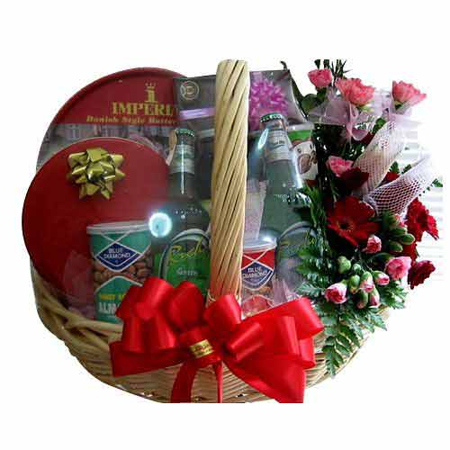 Enjoyable Gift Hamper with Chocolate