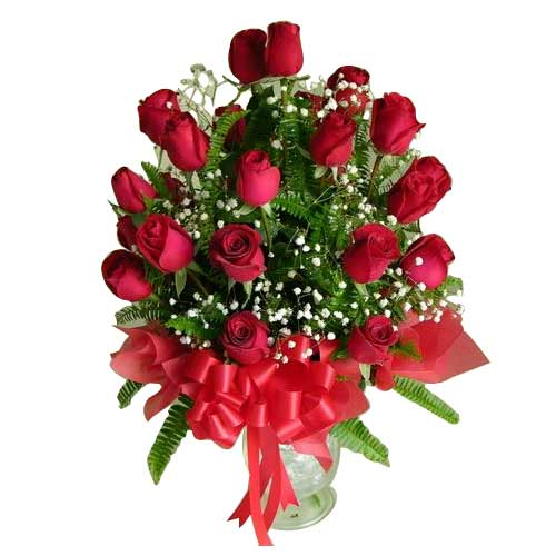 Impressive Red Roses Arrangement for Sweet Sensation