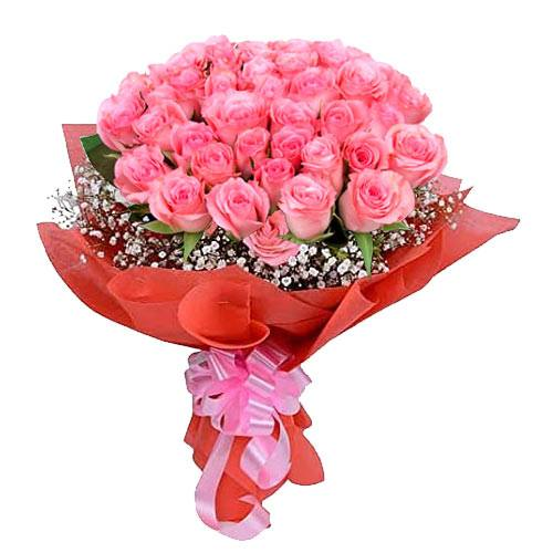Romantic Bouquet of 30 Pink Roses