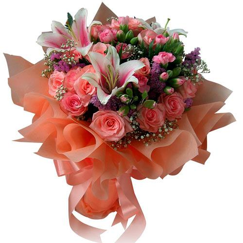 Charming Lilies with Pink Roses for Occasion