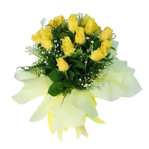 Divine Composition of Yellow Roses with Fillers
