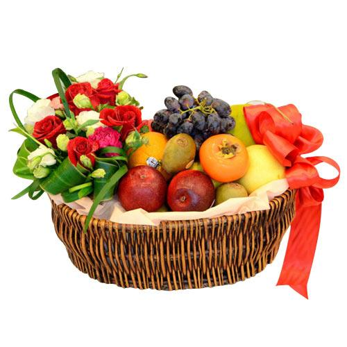 The Seasons Best Royal Treat Assorted Fruit Gift Basket