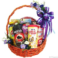 Dazzling Basket of Assorted Goodies for X-Mas