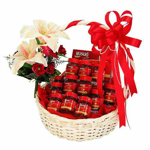 Traditional Christmas Special Gourmet Gift Hamper